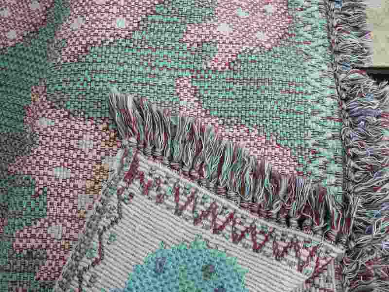 綿・コットンの平織り(混紡含む)縁にフリンジ(ふさ)がある